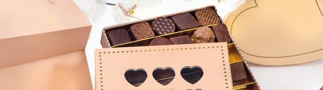 Collection de packagings rose pastel pour chocolat de St-Valentin